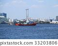 요코하마 항을 항해하는 소방선 요코하마 33203806