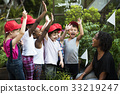 Group of student is on a field trips 33219247