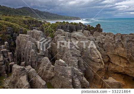 Pancake Rocks near Punakaiki 33221864