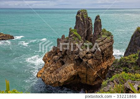Pancake Rocks near Punakaiki 33221866