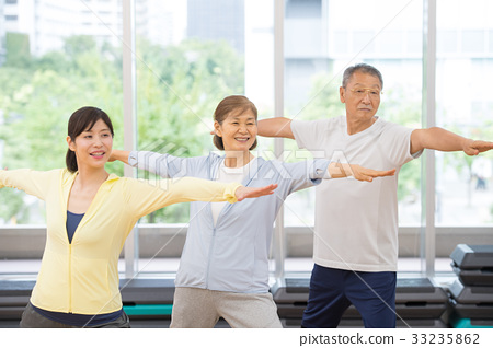 瑜伽 瑜珈 年長 33235862