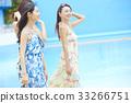 女性朋友 游泳池 水池 33266751