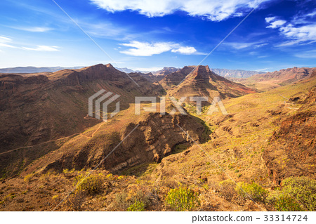 Mountain landscape of Gran Canaria island, Spain 33314724
