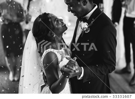 Newlywed African Descent Couple Dancing Wedding Celebration 33331607