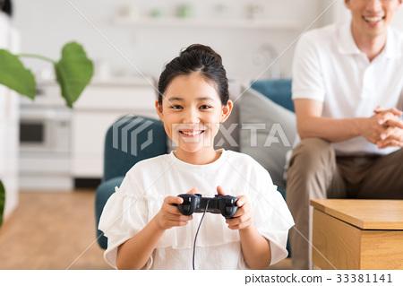 孩子們玩遊戲 33381141