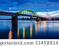 Bridge at night 33458914