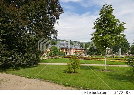 皮爾尼茨宮的花園 33472208