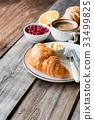 breakfast, coffee, croissant 33499825