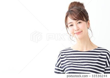 초상화 젊은 여성 33530244
