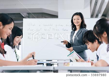 初中生和女老师 33697980