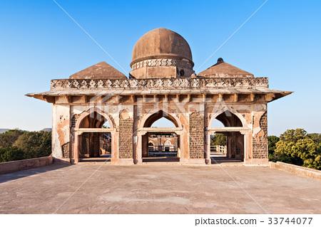 Royal Enclave, Mandu 33744077