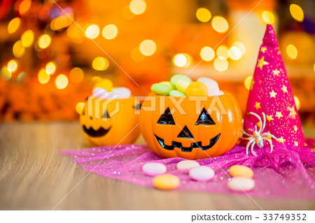 Halloween pumpkin, trick or treat with sweet candy 33749352