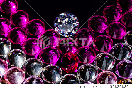 diamond jewelry in heart shape 33826886