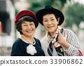 兩個時尚的高級女性 33906862