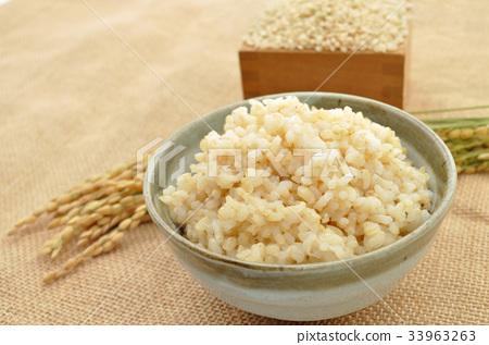 brown rice 33963263