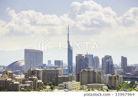 Beautiful cityscape of Fukuoka 33967964