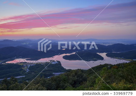 Fishing spot, Chungpyeong Reservoir, Jincheon-gun, Chungbuk 33969779