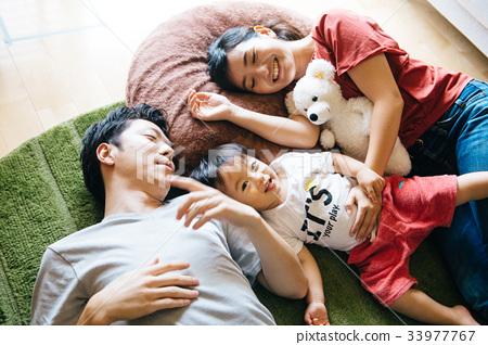 年輕的日本家庭 33977767