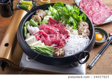 Traditional Japanese Sukiyaki  34057925
