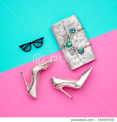 Fashion Minimal Design Woman Accessories Set. Art 34069708