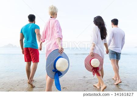 Young People Group On Beach Summer Vacation 34161827