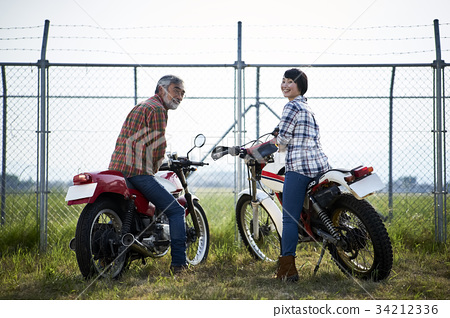 祖父 孙女 自行车 34212336