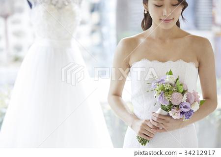 웨딩샵,웨딩드레스,신혼부부,결혼준비 34212917