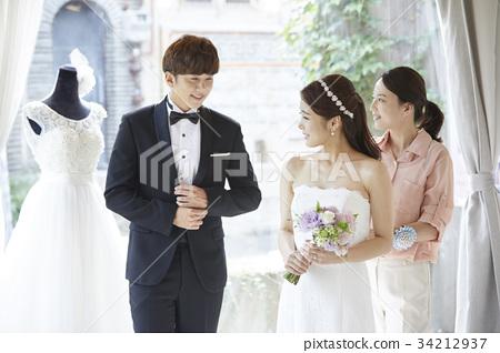 웨딩샵,웨딩드레스,신혼부부,결혼준비 34212937