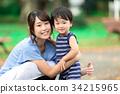 笑顔の親子 34215965