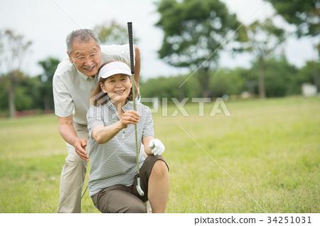 高爾夫資深夫婦活躍圖像 34251031