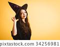 巫婆服裝的萬聖夜少婦 34256981