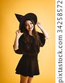 有巫婆cosplay的萬聖夜女孩 34258572
