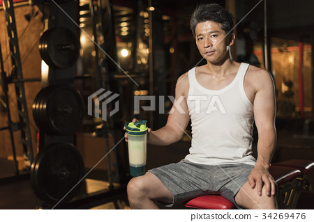 Gym middle men protein 34269476