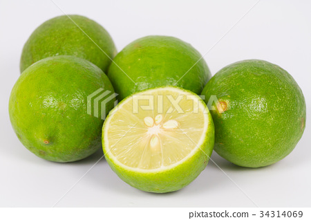 Fresh lime citrus fruit and slice 34314069