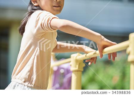 초등학교 운동장 놀이 34398836