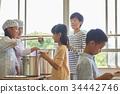 小學生 學校午餐 設定位置或桌子 34442746