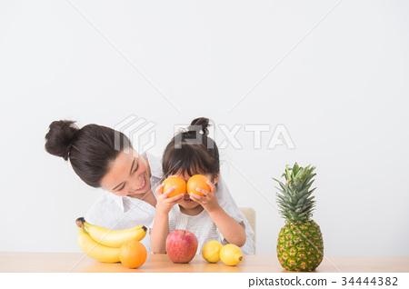 水果 女生 女 34444382