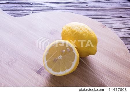 黃檸檬 34457808