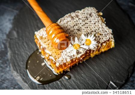 Honeycomb on white 34518651