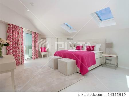 Modern clean room 34555919