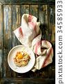 Italian pasta carbonara 34585933