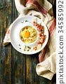 Italian pasta carbonara 34585992