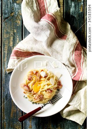 Italian pasta carbonara 34585994