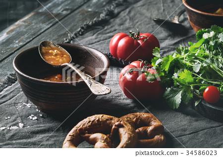 Carrot tomato pea soup 34586023