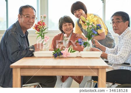 노인 요양 시설 레크리에이션 34618528