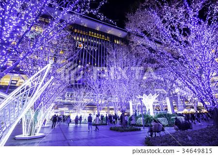 조명이 아름다운 크리스마스 시즌 하카타 역 34649815