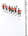 ทีมดนตรีเล่นเดินขบวน 34673897