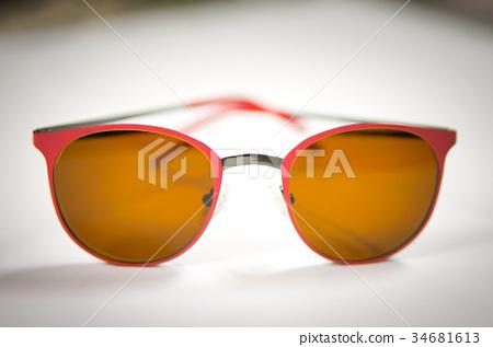 glasses 34681613