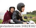 孫子和祖母騎自行車 34828382