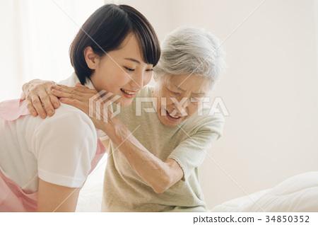 护理员和高级访问疗养院护理 34850352